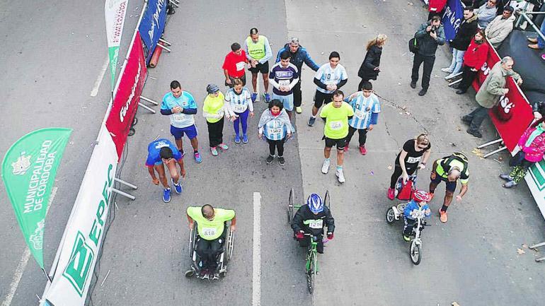 Maratones de dos modalidades, competitiva y participativa, como así también categorías para personas con capacidades diferentes. (Municipalidad de Córdoba)