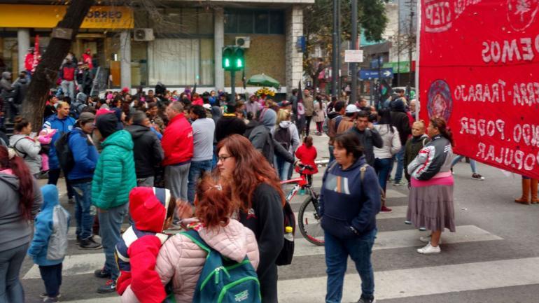 CÓRDOBA. Movilización en Colón y General Paz (Pedro Castillo/La Voz).