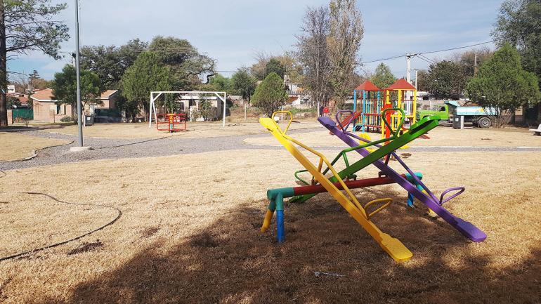 Plan de remodelación y ejecución de plazas que el municipio de Mendiolaza lleva adelante. (Municipalidad de Mendiolaza)