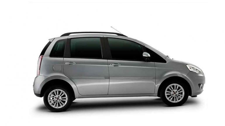 Cuatro autos familieros ideales noticias al instante for Capacidad baul fiat punto