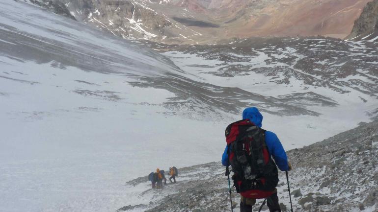Los cordobeses eligieron el camino más largo para subir el cerro. (Gentileza de Levemente Desorientados)