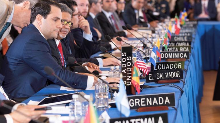 La Asamblea General de la OEA, la cita anual más importante de la organización que agrupa a los países de las Américas, en Washington, aprobó un proyecto de resolución que podría iniciar el proceso de suspensión de Venezuela. (DPA / Archivo)