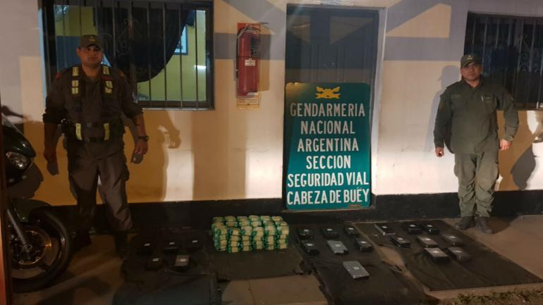 La droga estaba en un colectivo que se dirigía hacia Córdoba. (Ministerio de Seguridad).