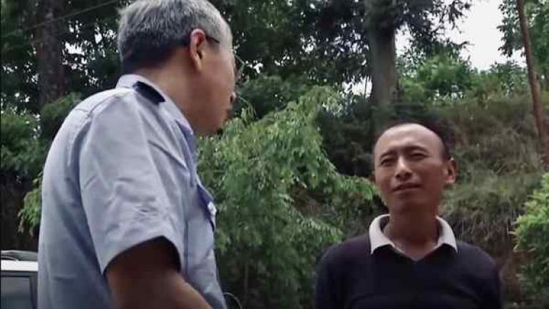 EXPLICACIONES. Yun tuvo que explicar a las autoridades el origen de su particular mascota.