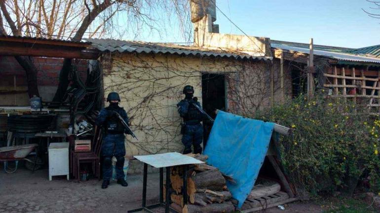 MINA CLAVERO. La FPA realizó distintos operativos (Fotos Fuerza Policial Antonarcotráfico).