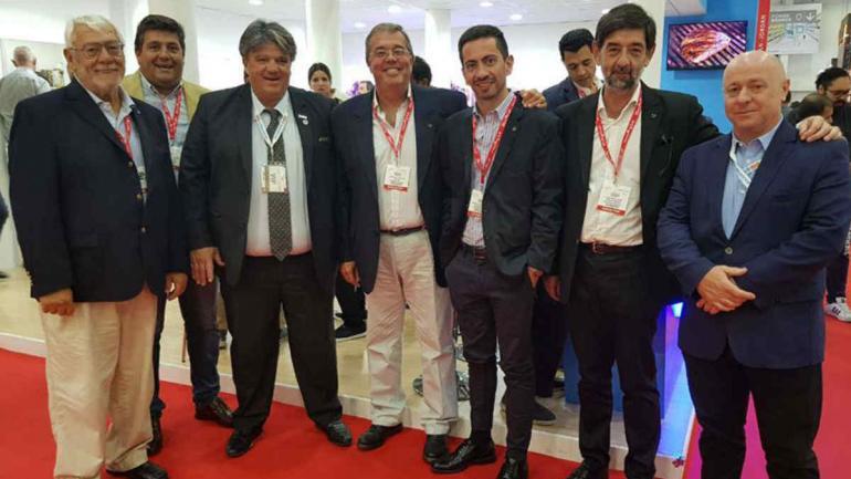 CONTACTOS. En Dubai, los directivos de Pilagá aprovecharon para hacer contactos comerciales con importadores. (PILAGA)