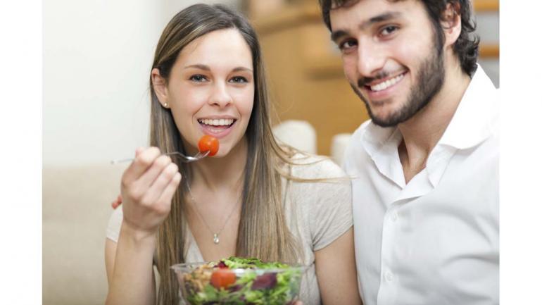 Es fundamental que la pareja lleve una vida saludable en alimentación y en ejercicios físicos. (Fecundart)