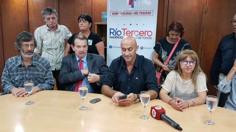 En Río Tercero. El abogado Mario Ponce y el intendente Alberto Martino, este martes, en la Municipalidad (La Voz).