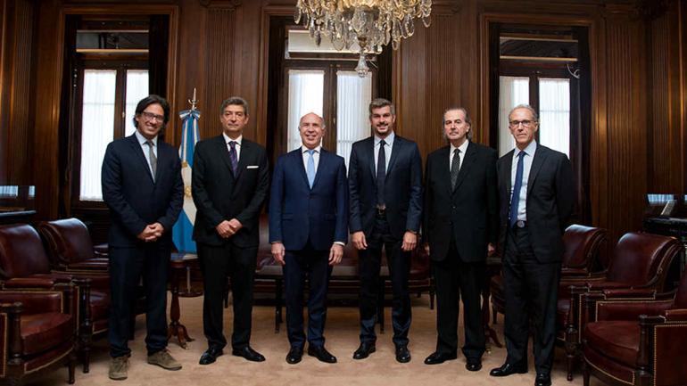 Peña y Garavano junto a los miembros de la Corte Suprema. (Presidencia de la Nación)