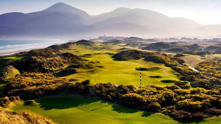 Royal County Down Golf Club ubicado en Irlanda del Norte.