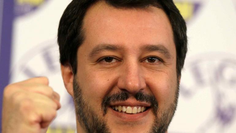 Matteo Salvini. Tras los resultados, casi se autoproclamó primer ministro. Es candidato por la Liga del Norte, antieuropeo y antiinmigrantes.