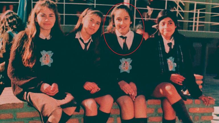 QUINTO AÑO. Sole, junto a sus compañeras del colegio del Carmen y San José (La Voz/ Archivo).