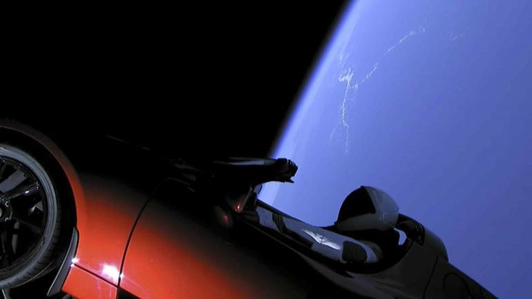 ALREDEDOR DEL SOL. El cohete dejará orbitando alrededor del sol un Tesla rojo. (AP)