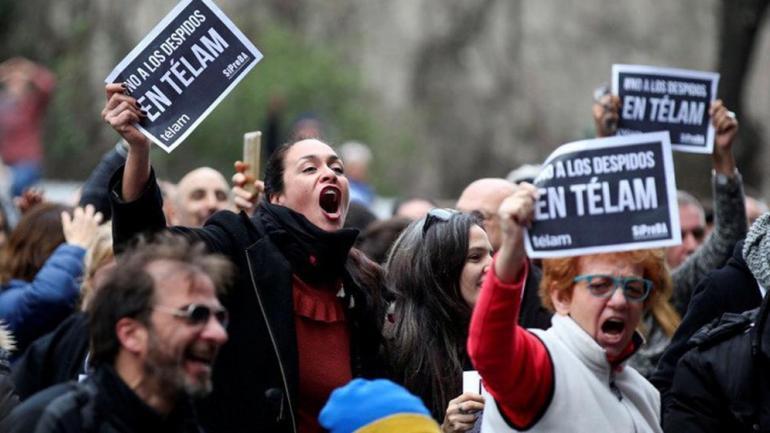 Una de las protestas de los trabajadores despedidos (@LilinaMega1).