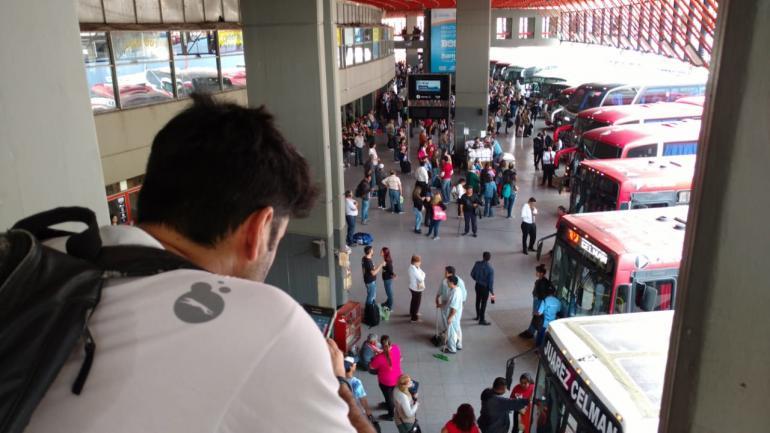 CÓRDOBA. El servicio de interurbanos paralizado por asamblea informativa (Ramiro Pereyra/La Voz).