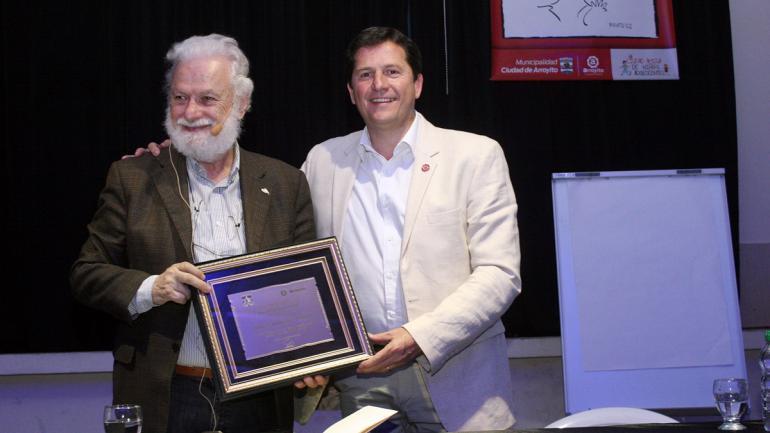 El pedagogo italiano fue declarado Huésped de Honor por el intendente Mauricio Cravero (Municipalidad de Arroyito)