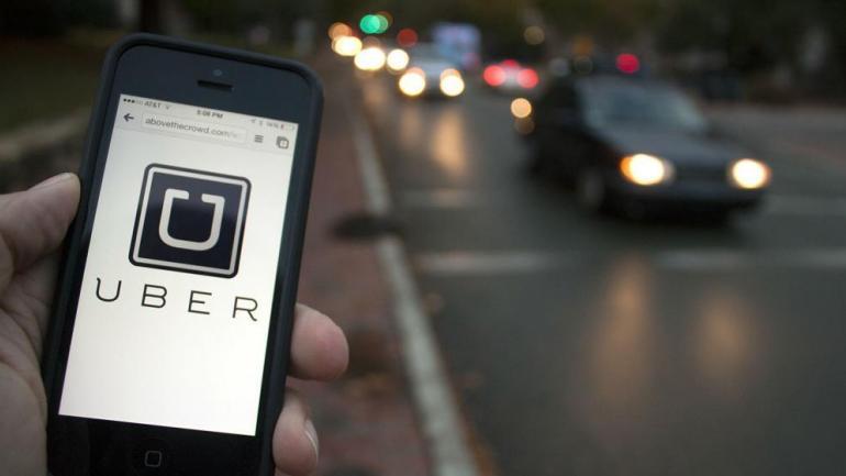 Uber promueve un petitorio para desembarcar en Córdoba.