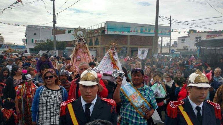 VILLA EL LIBERTADOR. Celebra su fiesta popular en homenaje a la Virgen de Urkupiña (Pedro Castillo/Archivo).