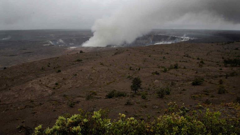 GAS. En la cima del volcán, en Hawai (AP).