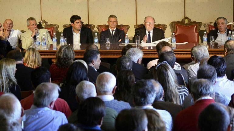 LA PAMPA. El gobernador Carlos Verna confirmó que no firmará el Pacto Fiscal que en noviembre último su provincia acordó con la Nación (Télam).