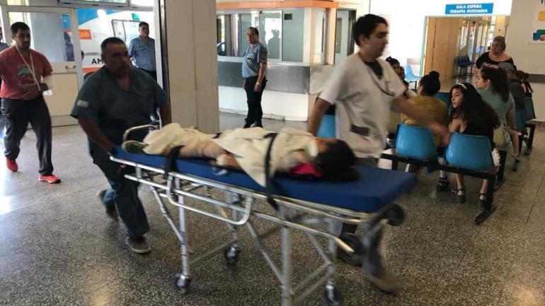 El hospital de Villa Carlos Paz trabajó a destajo y al borde del colapso ante la cantidad de pacientes. (CarlosPazVivo.com)