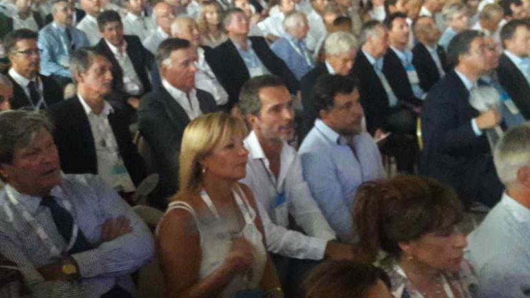 Marcelo Cossar representó a la Municipalidad en Fiat, y ante la presencia de Macri (Prensa Municipalidad).