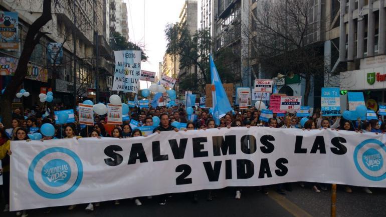 CÓRDOBA. La marcha contra la legalización del aborto (Pedro Castillo / La Voz).