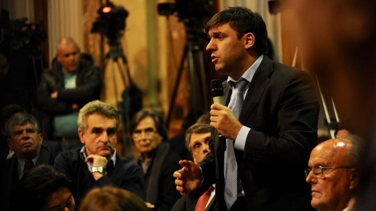 Bossio y varios diputados de la oposición cuestionaron al ministro de Hacienda (Federico López Claro).