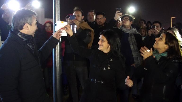 Silvina González, Ramón Mestre y Soledad Carrizo encendieron las luces de la ruta A188 (Municipalidad de Malvinas Argentinas)