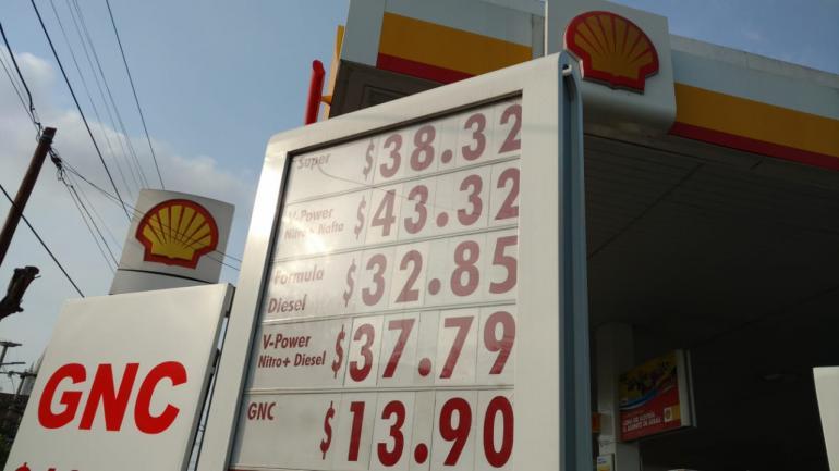 Los precios en Shell (Ramiro Pereyra/LaVoz).