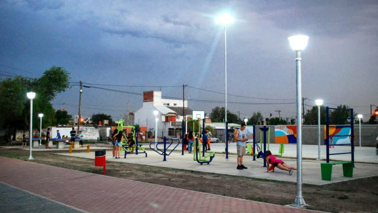 Se enciende la iluminación led de la obra de barrio Parque Norte (Municipalidad de Estación Juárez Celman)