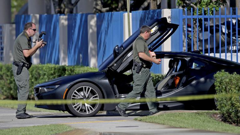 AUTO. En el que iba el joven (John McCall/South Florida Sun-Sentinel vía AP).