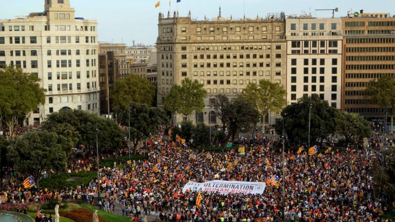 Manifestaciones a un año del referéndum (AP).