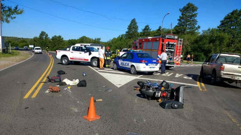 Accidente vial. Sucedió este jueves alrededor de las 17.25 en Embalse. (Bomberos Voluntarios)