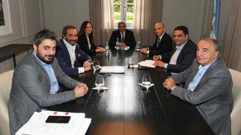 La firma del acuerdo en Olivos (Ministerio de Trabajo).