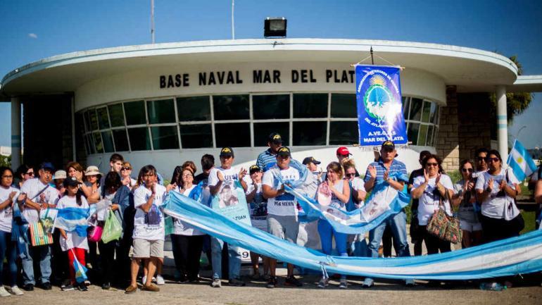 MAR DEL PLATA. Familiares de tripulantes del ARA San Juan en una protesta de diciembre (Archivo).