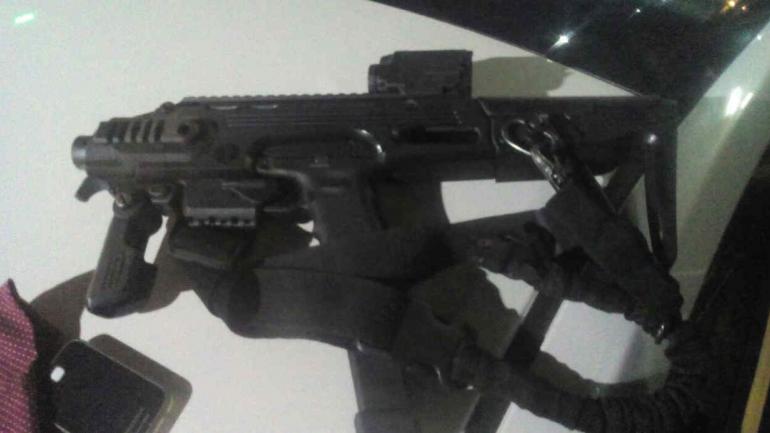 Una de las armas utilizadas por los asaltantes.