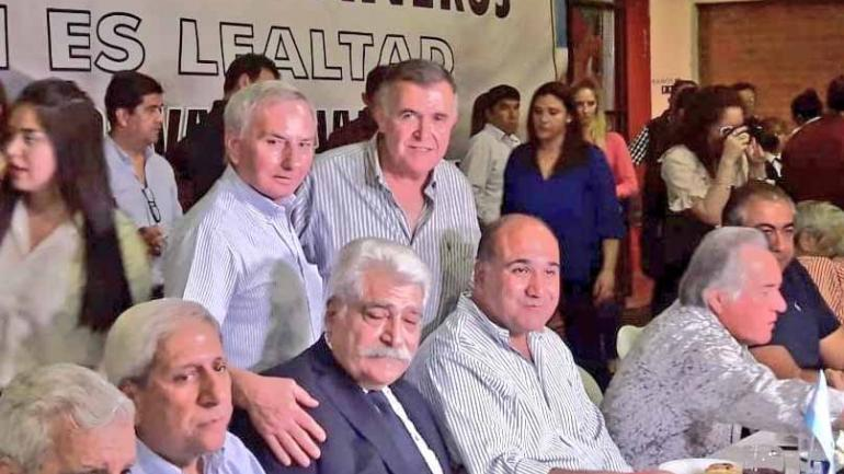 Jorge Asís junto al gobernador Manzur y Luis Barrionuevo (Twitter).