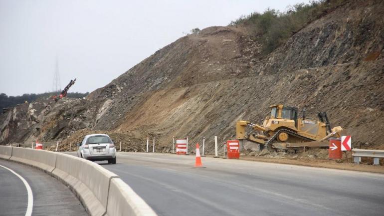 Autovia de Punilla. El tramo en ejecución, sobre el dique San Roque (La Voz)