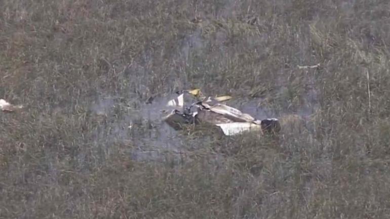 Colision de 2 avionetas deja al menos 3 muertos