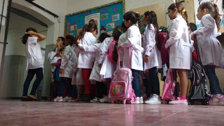 INICIO DE CLASES EN CÓRDOBA. Algunos docentes se plegaron al paro, otros no (La Voz/Ramiro Pereyra).