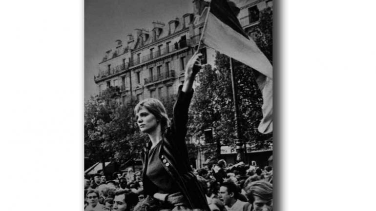 Caroline de Bendern en la icónica foto del Mayo Francés.