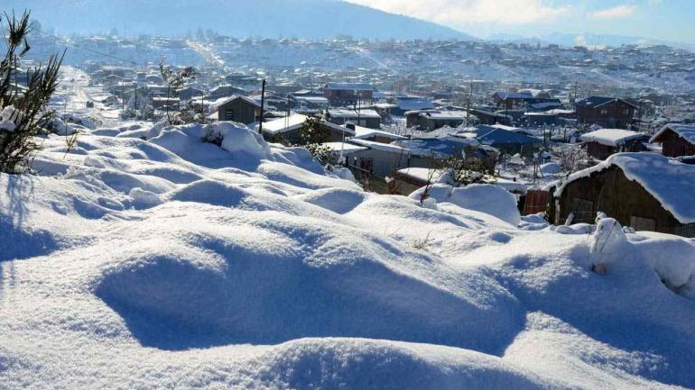 Bariloche amaneció totalmente blanca (DyN).