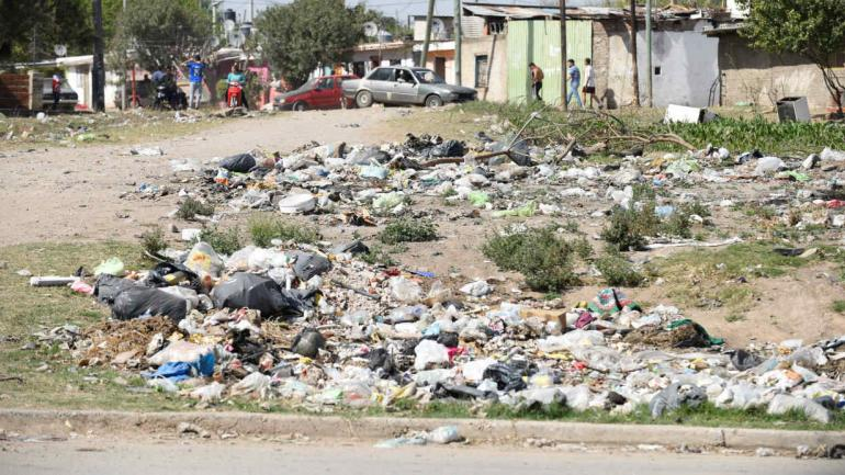 RESIDUOS. Entre su recomendaciones, el informe sugiere profundizar el proceso de regionalización de los residuos. (La Voz)