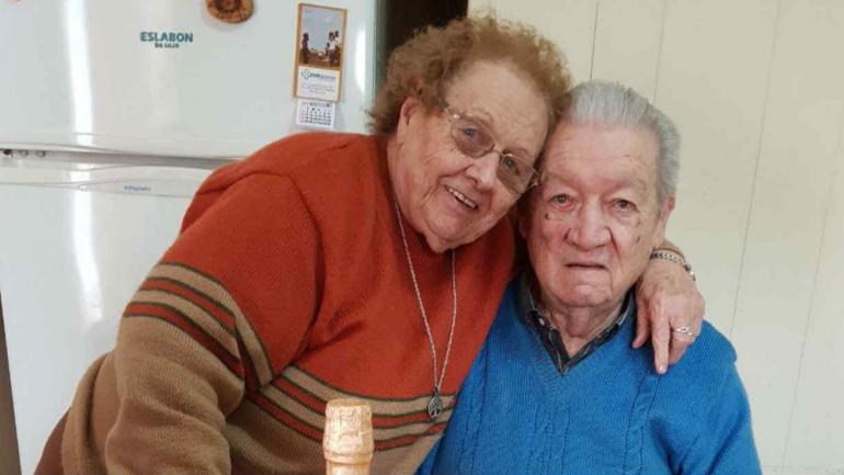 Betty y Enzo, casados hace 65 años.