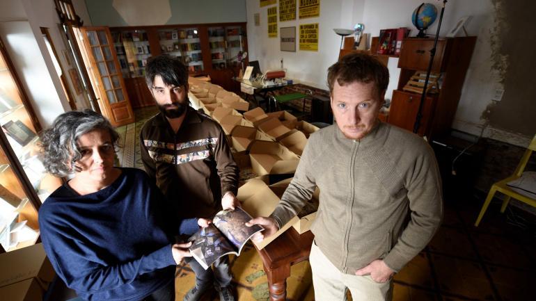La biblioteca recuperada. Agustín Berti, Tomás Alzogaray y Gabriela Halac. (RAMIRO PEREYRA)