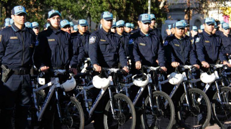 La provincia suma casi 200 sectores a la polic a barrial for Vivero arguello