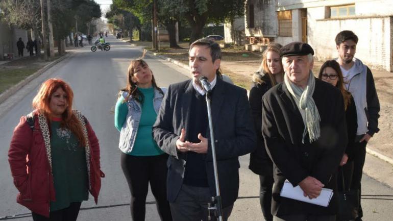 DE LOS LATINOS. Inauguraron el nuevo pavimento (Municipalidad de Córdoba).