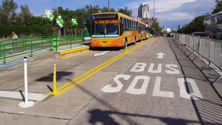 SÓLO BUS. El de Sabattini es el primero, y se ubica en el acceso sudeste (La Voz).