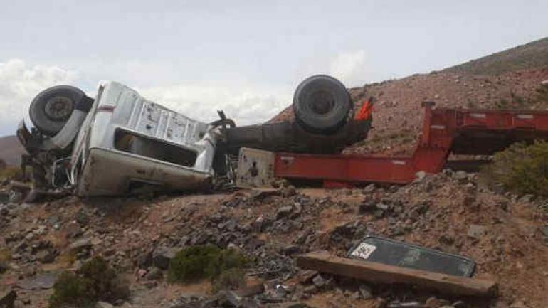Tras el accidente, el chofer fue rescatado y está fuera de peligro. (RadioMitre)